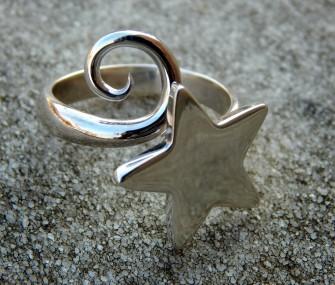 (Ita) Anello in argento con stella e spirale (cod.AN.AG.07)