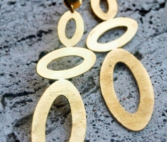 "Brass earrings with three ""staggered"" ovals (cod.OR.OT.19)"