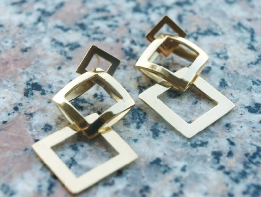 Brass earrings with three shiny squares (cod.OR.OT.28)