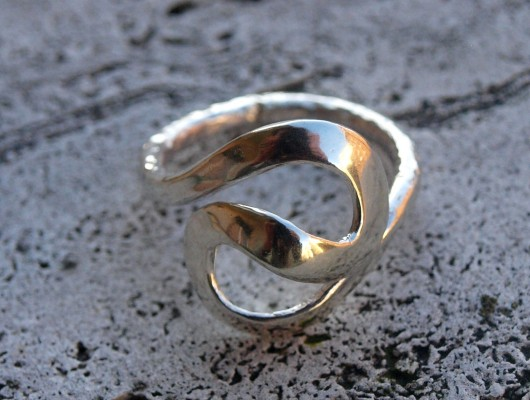 "Silver ""S"" shaped ring (cod.AN.AG.06)"