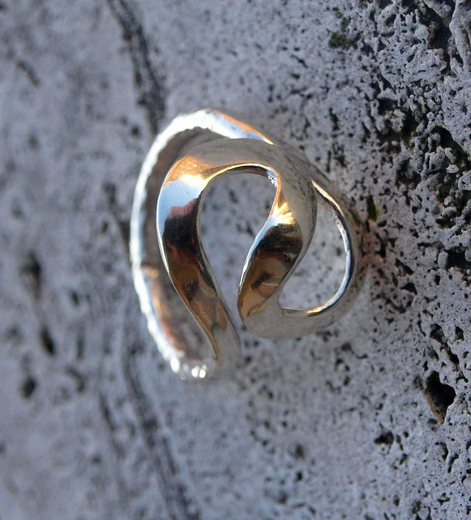"Silver ring with ""s"" (cod.AN.AG.06)"