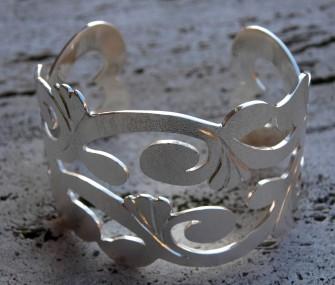 Bracciale in argento con foglie e cuori (cod.BR.AG.15)