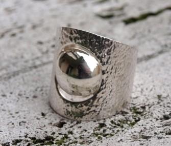 Anello in argento con tondo al centro (cod.AN.AG.03)