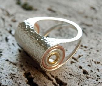 Anello in argento con effetto martellato (cod.AN.AG.04)