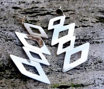 Orecchini in argento con rombi (cod.OR.AG.17)