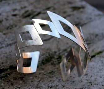 Bracciale in argento con triangoli (cod.BR.AG.13)
