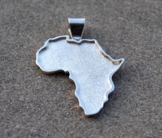 Ciondolo Africa in argento con contorno in rilievo (cod.PN.AG.20)