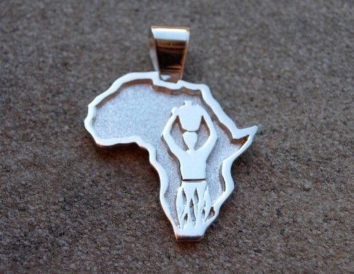 "Pendant ""Africa"" ​​with silver outline and inlay of woman – medium (cod.PN.AG.21)"