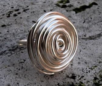 (Ita) Anello in argento con fili disposti a cerchio (cod.AN.AG.22)