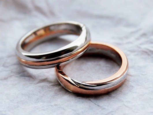MOEBIUS WEDDING RINGS IN WHITE AND PINK GOLD (Cod. FN.AU.14)