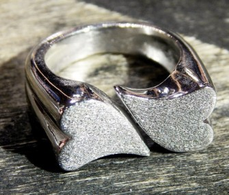 Silver ring with hearts (cod.AN.AG.18)
