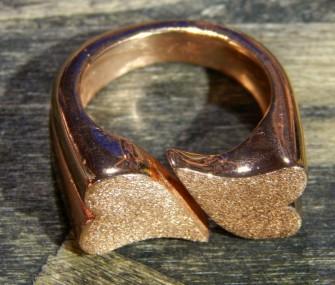 (Ita) Anello in ottone color bronzo con cuori (cod.AN.BZ.18)