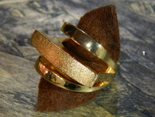 "Anello in ottone con tre ""lame"" (cod.AN.OT.24)"