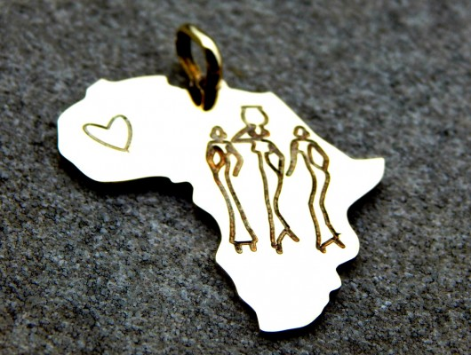 Africa brass pendant with women and heart (cod. PN.OT.29)