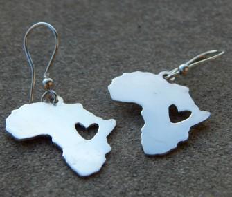 Orecchini Africa in argento con cuore inciso (cod. OR.AG.48)