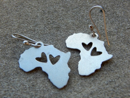 Africa Earrings with two hearts