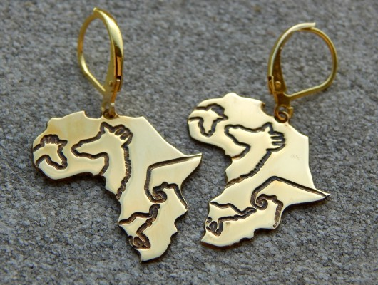 Africa with animal earrings (code OR.OT.15)