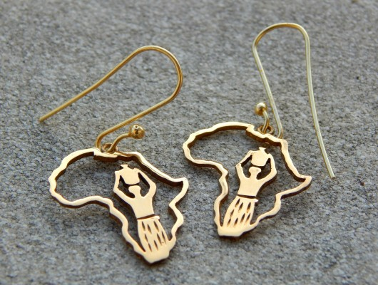 Africa earrings in brass with a woman's drawing (code OR.OT.10)