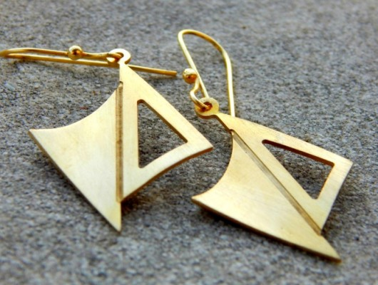 Small earrings with opposing sails (code OR.OT.65)