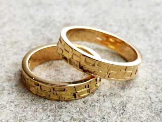 Gold Wedding Rings With Sculpted Shapes
