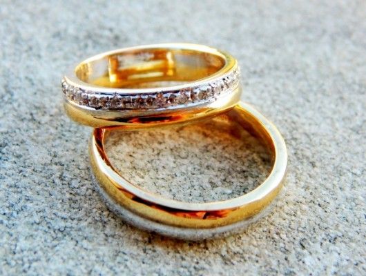WEDDING RINGS IN YELLOW AND WHITE GOLD WITH DIAMONDS (Cod. FN.AU.09)