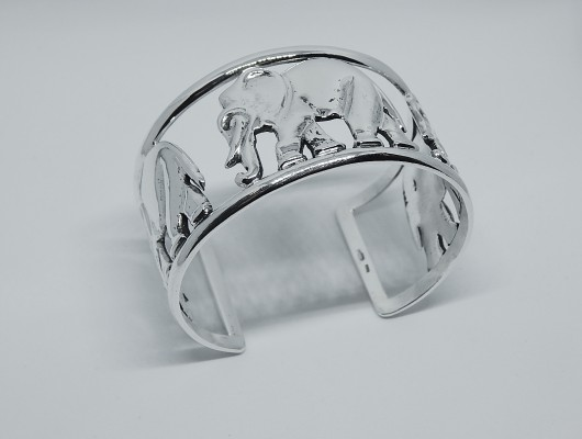 Silver bracelet with elephants