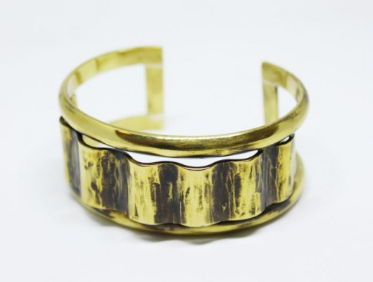 Brass bracelet with wavy surface (code BR.OT.24)