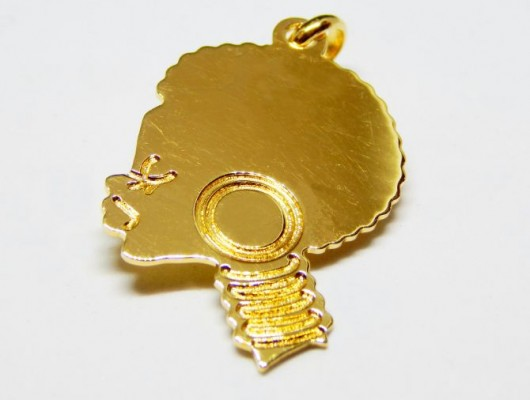 18k gold pendant with the face of an African woman (large size, code PN.AU.01)