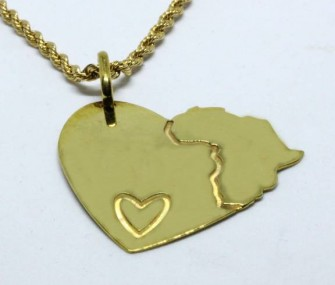 Pendente a cuore con Africa in argento dorato (cod. PN.AG.39)