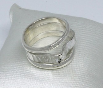 SILVER RING WITH THREE LEVELS (COD. AN.AG.71)