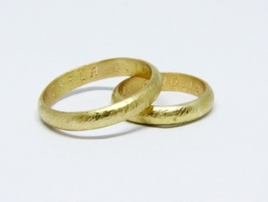 WEDDING RINGS WITH SCRATCHED SURFACE (COD. FN.AU.27)