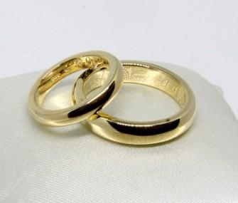 BAGUES DE MARIAGE EN OR AVEC SECTION RONDE ET SURFACE LISSE (COD. FN.AU.23)