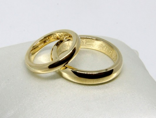 WEDDING RINGS IN GOLD WITH ROUNDED SECTION AND SMOOTH SURFACE (COD. FN.AU.23)