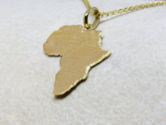 Gold Africa pendant and satin surface (Cod. PN.AU.10)