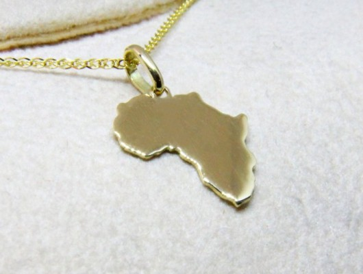 Gold Africa pendant and smooth surface (Cod. PN.AU.11)